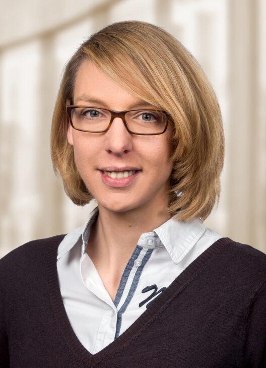 Frau Grabau, Kanzlei Könemann, Lüneburg